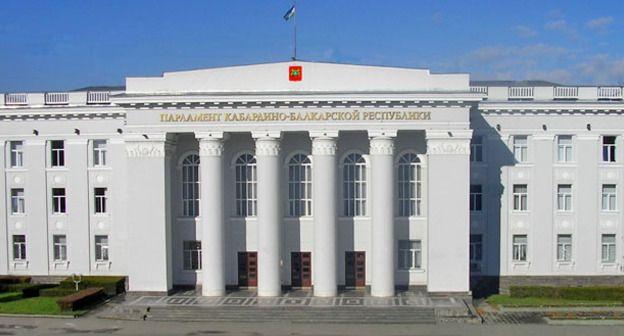 Уполномоченный Юрий Афасижев принял участие в заседании Парламента