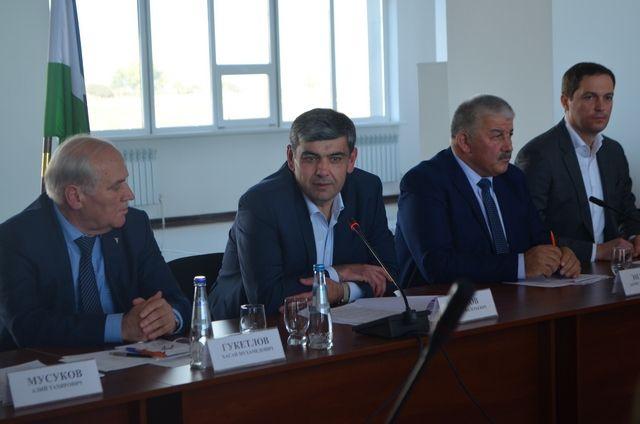Врио Главы республики встретился с участниками бизнес-форума